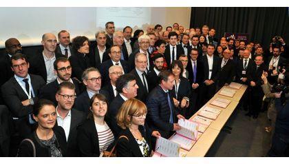 Signature Charte Bâtiment connecté, bâtiment solidaire et humain
